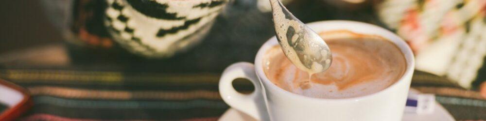 Jezikovno-potepanje-Črno-zlato-naročanje-kave-po-svetu – kopija